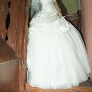 Продам свадебное платье!Состояние: одевалось 1 раз, после химчистки.