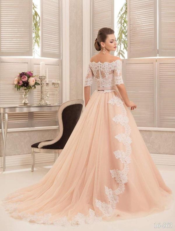 Свадебное платье  42 44 46 торг есть  3